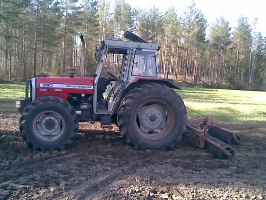 Traktorit ja koneet - Massey f...